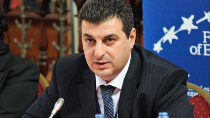 """Ministrul Apărării: """"România ar putea avea 2.700 de rezervişti voluntari"""""""