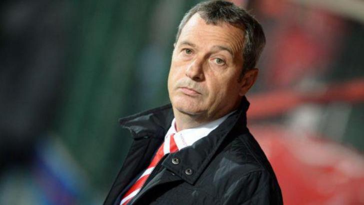 Mircea Rednic îşi pregăteşte marea revenire în antrenorat. Ce fotbalist va transfera la noua echipă?