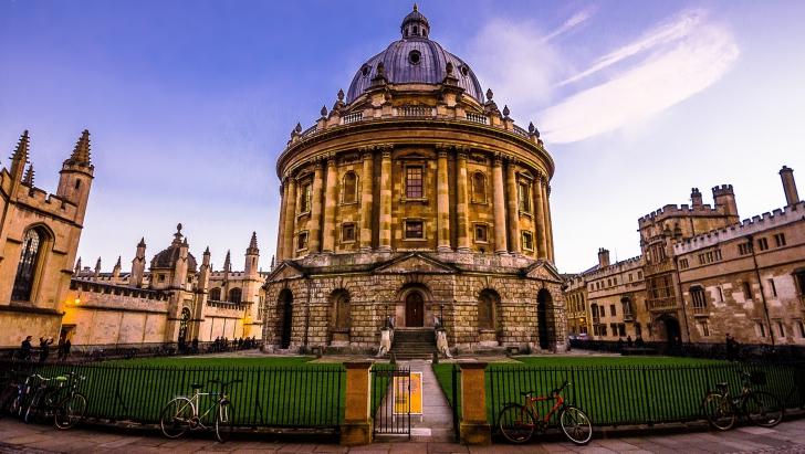 Întrebările la examenul de admitere la prestigioasa Universitatea Oxford. Le puteţi rezolva?