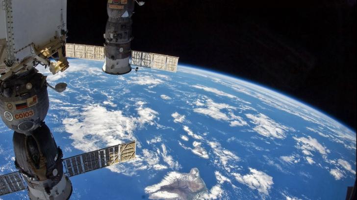 Un satelit misterios se rotește în jurul Pământului de peste 500 de zile