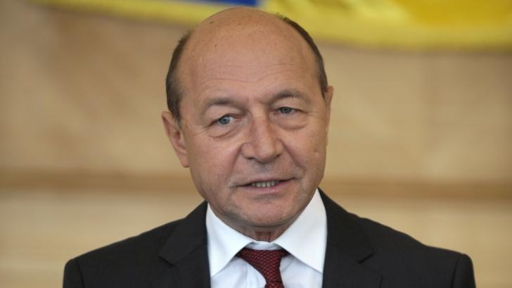 """Traian Băsescu, după 1 an de la Colectiv: """"Poate numărul victimelor ar fi fost mai mic dacă..."""""""