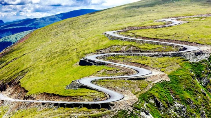 O nouă șosea va face concurență Transalpinei. E la fel de spectaculoasă și are o istorie aparte
