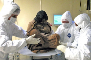 Au descoperit o mumie de 500 de ani. Cercetătorii au fost şocaţi! Ce au găsit în corpul ei