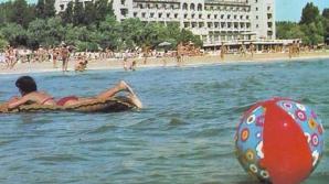Uite cum se distrau românii la mare pe vremea lui Ceaușescu!