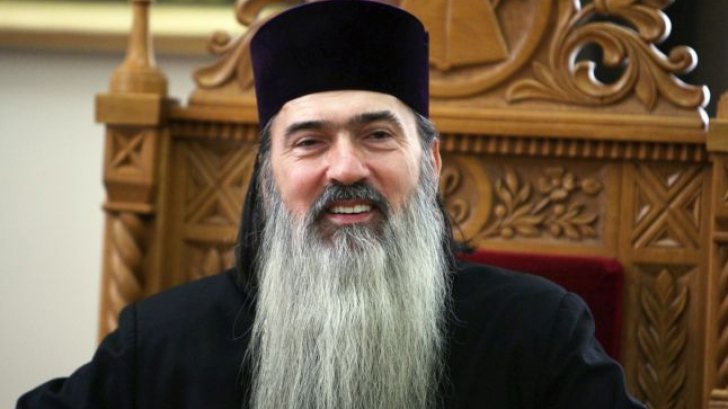 Arhiepiscopul Tomisului, înconjurat din nou de preoţi la controlul judiciar
