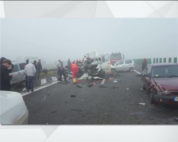 Accident CUMPLIT cu 29 de mașini pe Autostrada Soarelui. Bilanțul: 4 morți, 50 de răniți