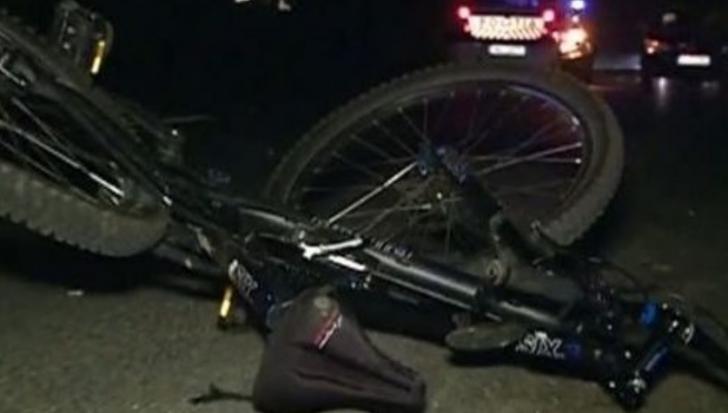 Tragedie luni dimineaţă, la intrarea în Buzău: biciclist acroşat şi ucis de o maşină