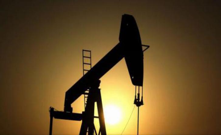 Dezbatere OPEC pe tema reducerii producției pentru susținerea prețurilor petrolului