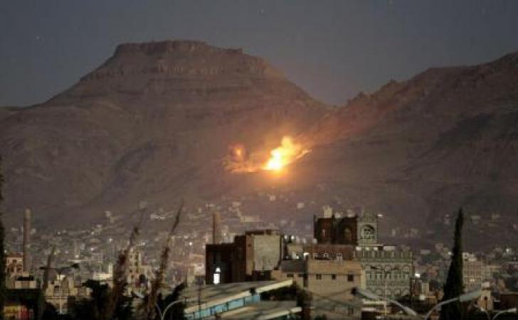 Avioane ale coaliției arabe bombardează capitala Yemenului