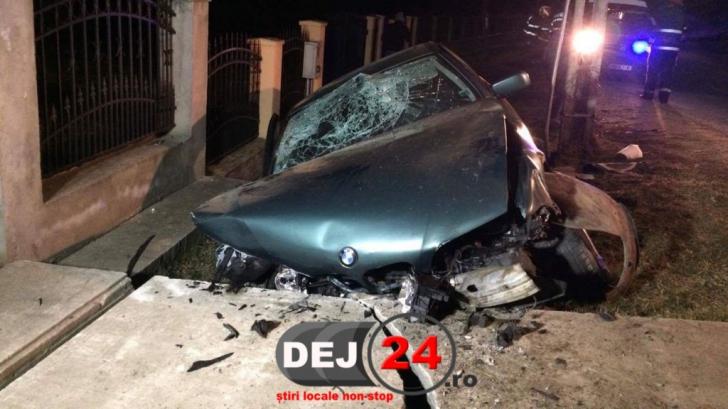 Accident grav în judeţul Cluj. Minoră însărcinată, rănită. Alte trei persoane au ajuns la spital