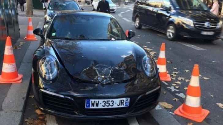 Un Porsche Carrera, de 150.000 euro, detonat de geniştii în centrul Parisului. Motivul este șocant