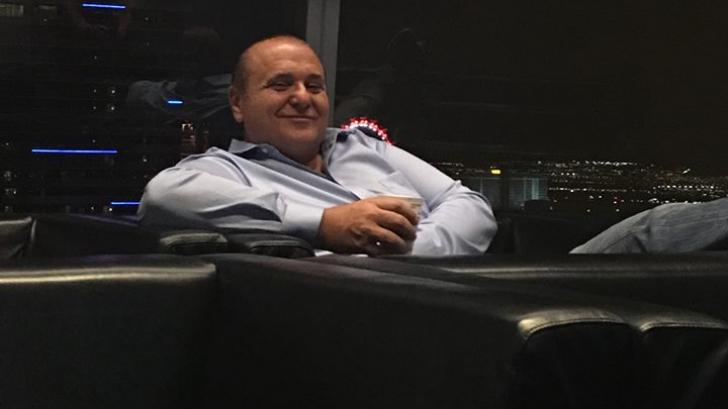 Un milionar român stabilit în SUA, înainte de vot: Nu există o a 3-a optiune!