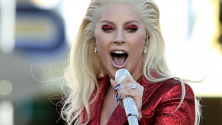 Emoţionant! Lady Gaga a cântat pentru tinerii LGBTQ respinşi de familii şi fără adăpost