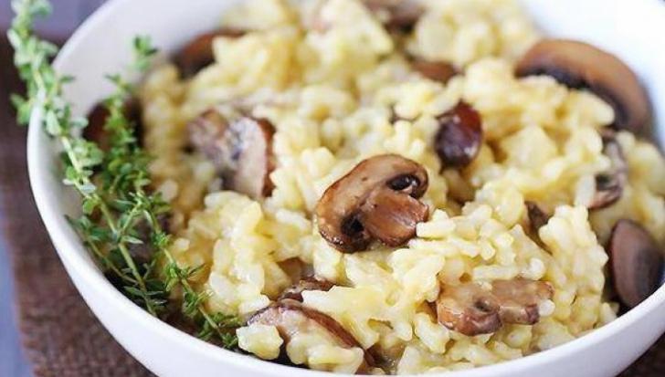 Cea mai simplă reţetă de post: orez cu ciuperci. Ingredientul care face diferenţa