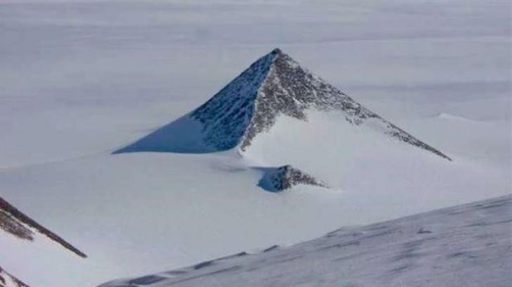 """Adevărul despre piramida misterioasă găsită în Antarctica. """"Nu este construită de oameni"""""""