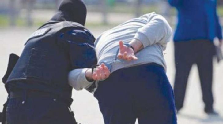 Doi indivizi au fost reținuți de DIICOT pentru trafic internațional de droguri de mare risc