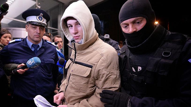 Tânărul din Craiova, acuzat de propagandă ISIS, a fost reţinut