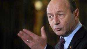 """Traian Băsescu: """"Infirm orice întâlnire privată cu preşedintele Iohannis"""""""