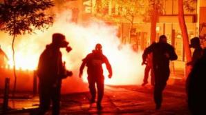 Grecia: Incidente violente în cursul unei manifestații în memoria unui tânăr ucis de poliție