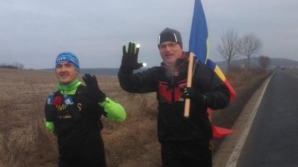 Incredibil! Un maghiar fără o mână a alergat cu drapelul României de la Aiud la Alba Iulia