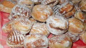Prăjiturile pe care nu le vom uita niciodată: Cea mai bună reţetă de nuci umplute