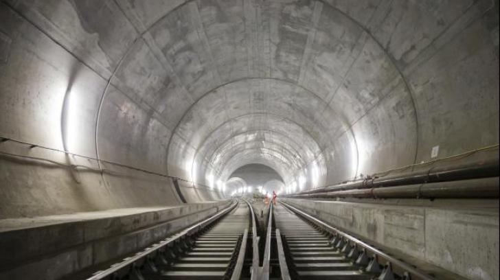 Cel mai lung tunel din lume a fost deschis traficului! Câți kilometri are și unde a fost construit