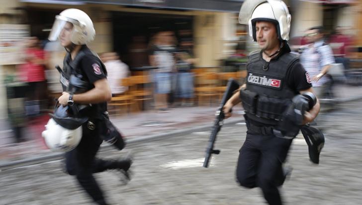 Șase persoane arestate în Turcia, după asasinarea ambasadorului rus
