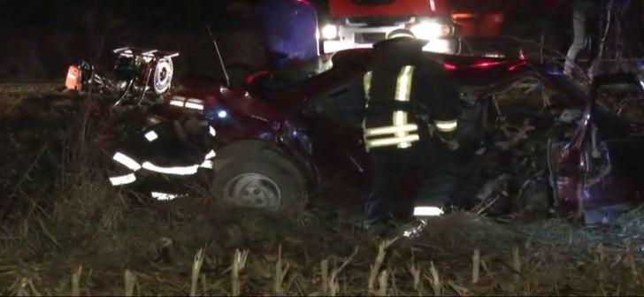 ACCIDENT grav în Mehedinți. 2 morți și 15 răniți într-un grav accident rutier