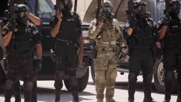 Atac armat în Iordania: 5 morţi şi 9 răniţi. Mai multe maşini de poliţie, atacate