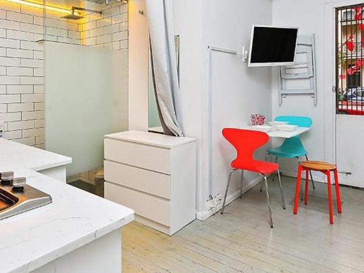 Cum arată apartamentul de 14 metri pătraţi vândut pentru suma fabuloasă de 350.000 de dolari