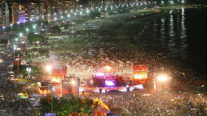 Revelion pe plaja Copacabana. Brazilienii se pregătesc pentru două milioane de turişti