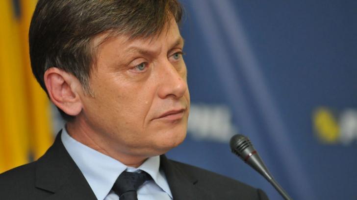 Crin Antonescu, despre decăderea PNL: Partidul nu are problema unui om, ci o problemă de identitate!