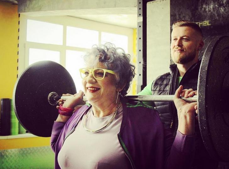 Cum arată bunicuţa hipsteriţă care face furori pe Instagram