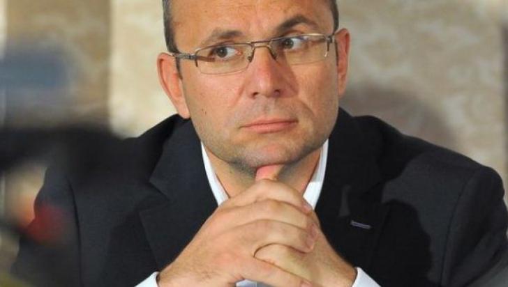 """Cozmin Guşă, analiza lui 2016: """"Liviu Dragnea - premiant, Victor Ponta - repetent"""""""