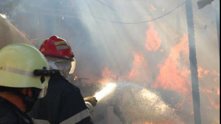 VIDEO Incendiu într-un hotel din Eforie Nord! 15 turiști se aflau înăuntru