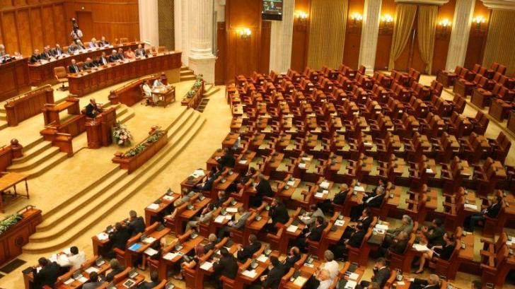 A fost aleasă noua conducere a Camerei Deputaţilor. Cine face parte din Biroul Permanent