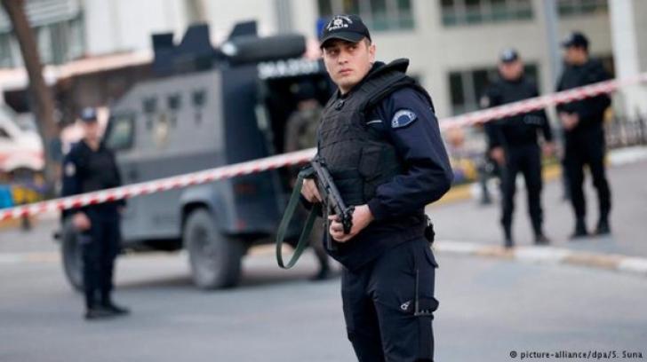 Zurich: Focuri de armă în apropiere de un Centru Islamic. Trei persoane au fost rănite