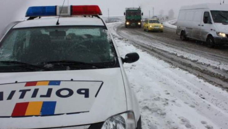 Se circulă în condiţii de iarnă în judeţele Prahova şi Braşov