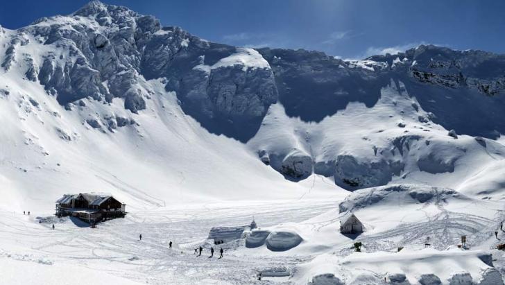 Unde se află în acest moment cel mai gros strat de zăpadă din România?