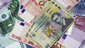 Leul s-a apreciat, marți, în raport cu euro și cu francul elvețian