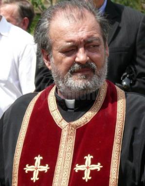 Preotul Mihai Negrea, cunoscut ca părintele care a crescut peste 100 de copii, a încetat din viață