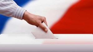 """Afacerile """"urât mirositoare"""" ale prezidenţiabililor Franţei"""