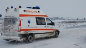 Accident cumplit: 8 victime, după ce un microbuz cu pasageri s-a răsturnat în şanţ
