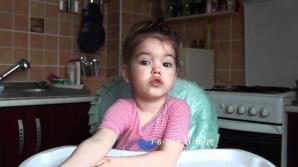 Îţi mai aminteşti de fetiţa care recita perfect Luceafărul la 2 ani şi 10 luni? Iată cum arată acum