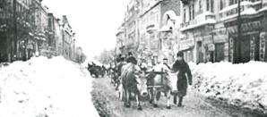 <p>Imagini de la marele viscol din '54. Cea mai cruntă iarnă din Bucureşti. Cum se facea dezăpezirea?</p>