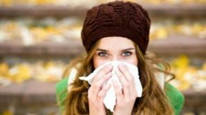 Ce se întâmplă dacă îţi sufli nasul prea des când eşti răcit? Este mai rău decât crezi