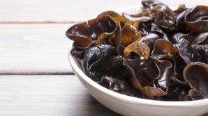 """Ce sunt, de fapt, ciupercile """"urechi de lemn"""" din mâncărurile chinezeşti"""