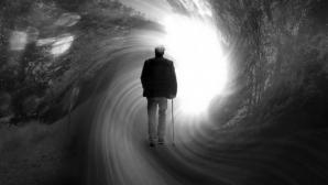 Curiozităţi despre moarte: când începem să simţim sfârşitul şi ce se întâmplă pe drumul spre lumină