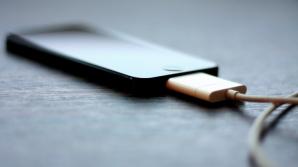 Aşa îţi încarci CORECT telefonul mobil. Evită să mai faci aceste greşeli!