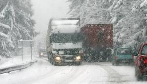 Veste proastă de la meteorologi: Vremea rea se menţine şi miercuri. Lista drumurilor închise